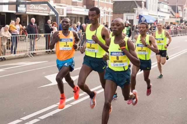 jogger-jogging-sport-marathon.jpg
